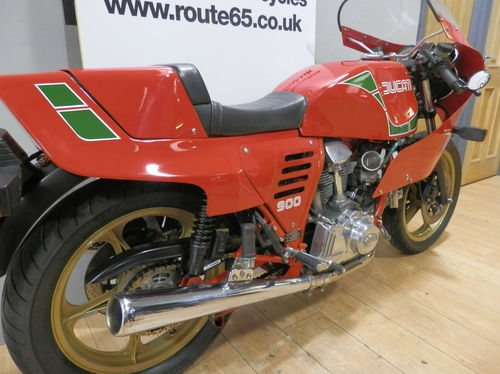 1985 Ducati Mike Hailwood 900SS Replica 3