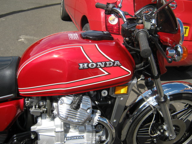 1981 honda red cx 500 tank