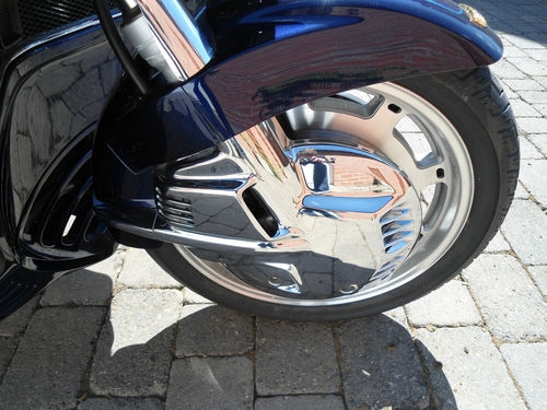 2000 honda gold wing gl1500se front wheel