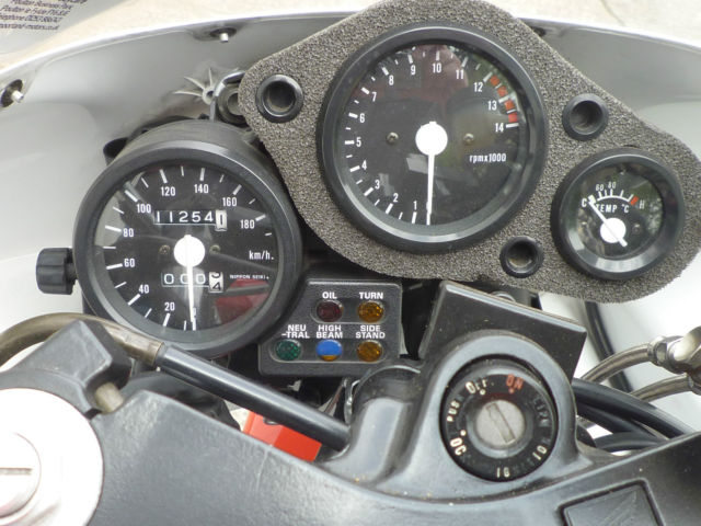 1995 Honda NSR250R Gauges