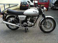 162 1976 norton commando 850 mkiii silver icon