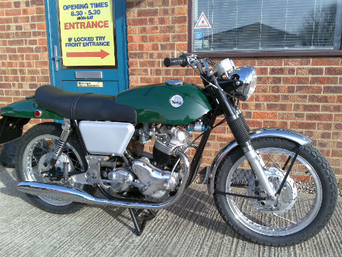 1968 norton 750 commando classic fastback 1