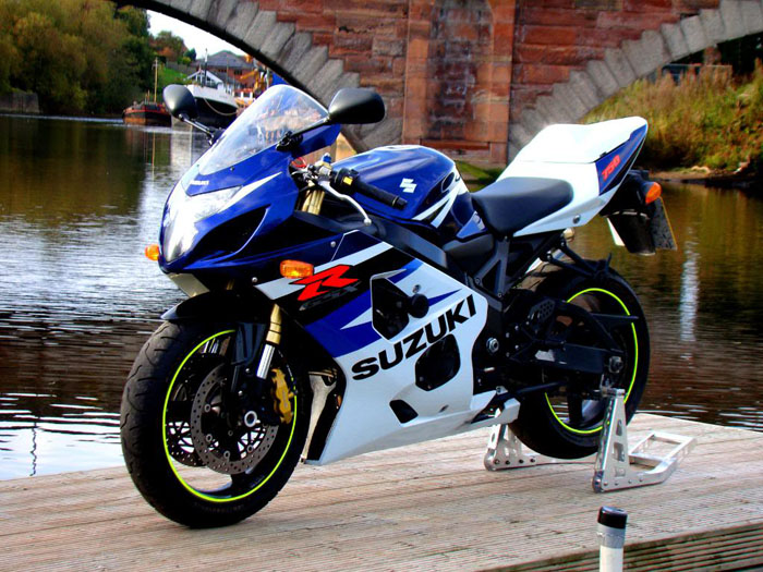 2004 gsxr 750 pictures to pin on pinterest pinsdaddy. Black Bedroom Furniture Sets. Home Design Ideas
