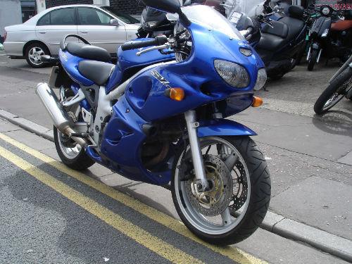 featured bikes suzuki sv650 2001 suzuki sv 650 s ref 297. Black Bedroom Furniture Sets. Home Design Ideas