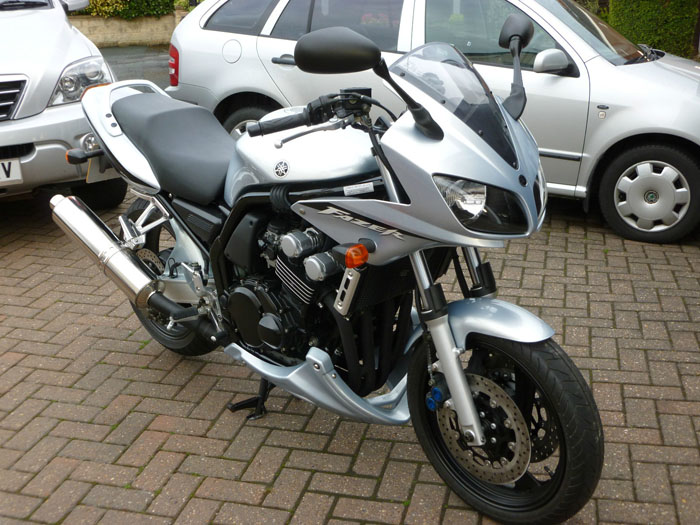 featured bikes yamaha fzs 2003 yamaha fzs 600 fazer silver ref 542. Black Bedroom Furniture Sets. Home Design Ideas